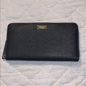 KATE SPADE Black Zipper Wallet
